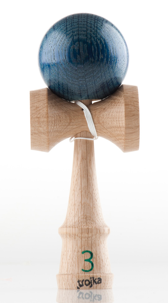Trojka christmas kendama righty