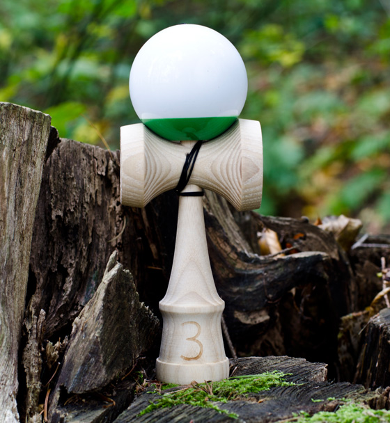 Trojka Ultimate 4.3 kendama - green