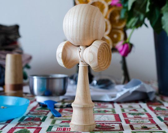 ZOOT KENDAMA ash wood